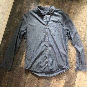 American Eagle | Classic Fit Denim Button Up Shirt
